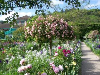 garden-giverny.jpg