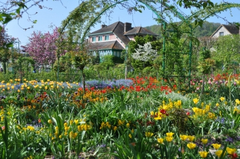 giverny-overview.jpg