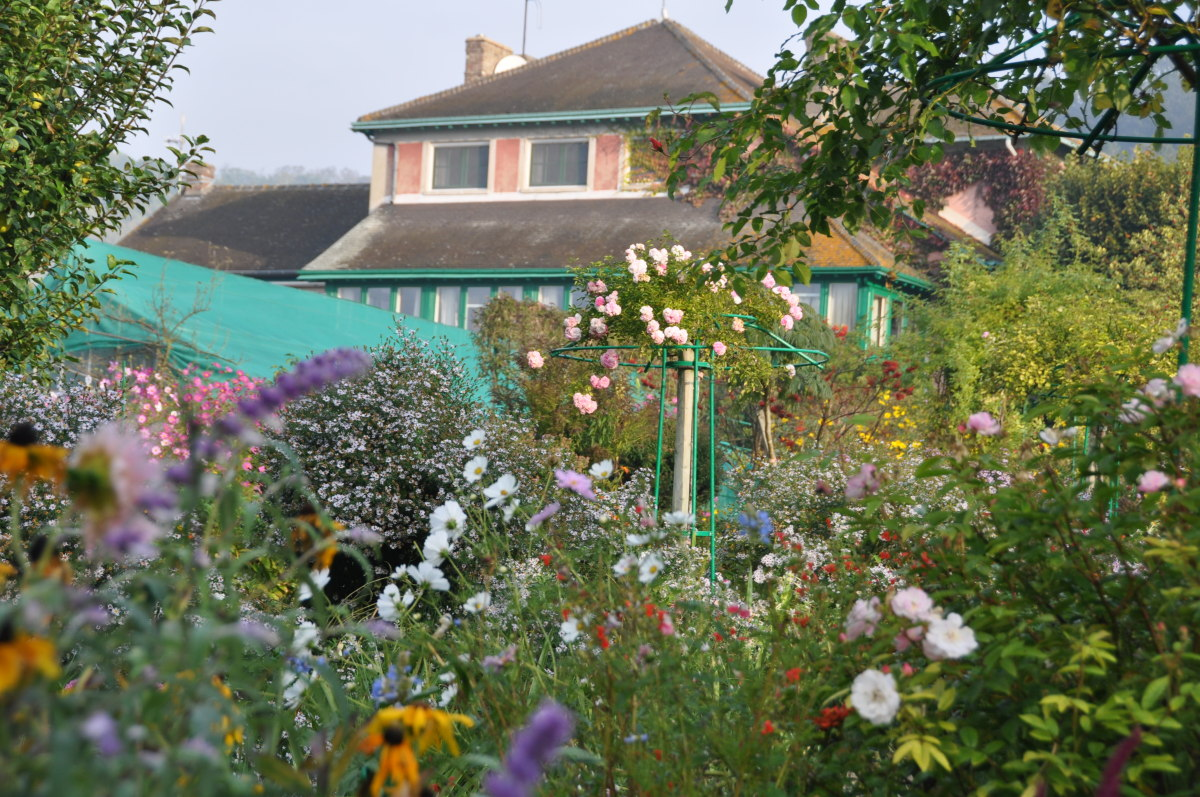 Giverny Monets Color Garden
