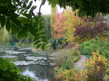 water-garden-monet.jpg