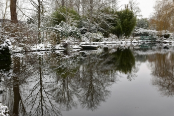 giverny-pond-snow